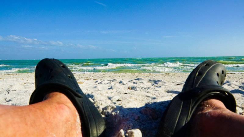 beach at sanibelle floride. Damon on road
